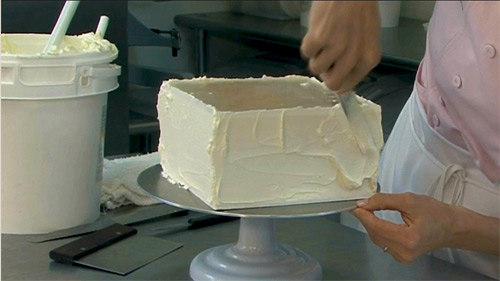 Filling sides of Square Cake