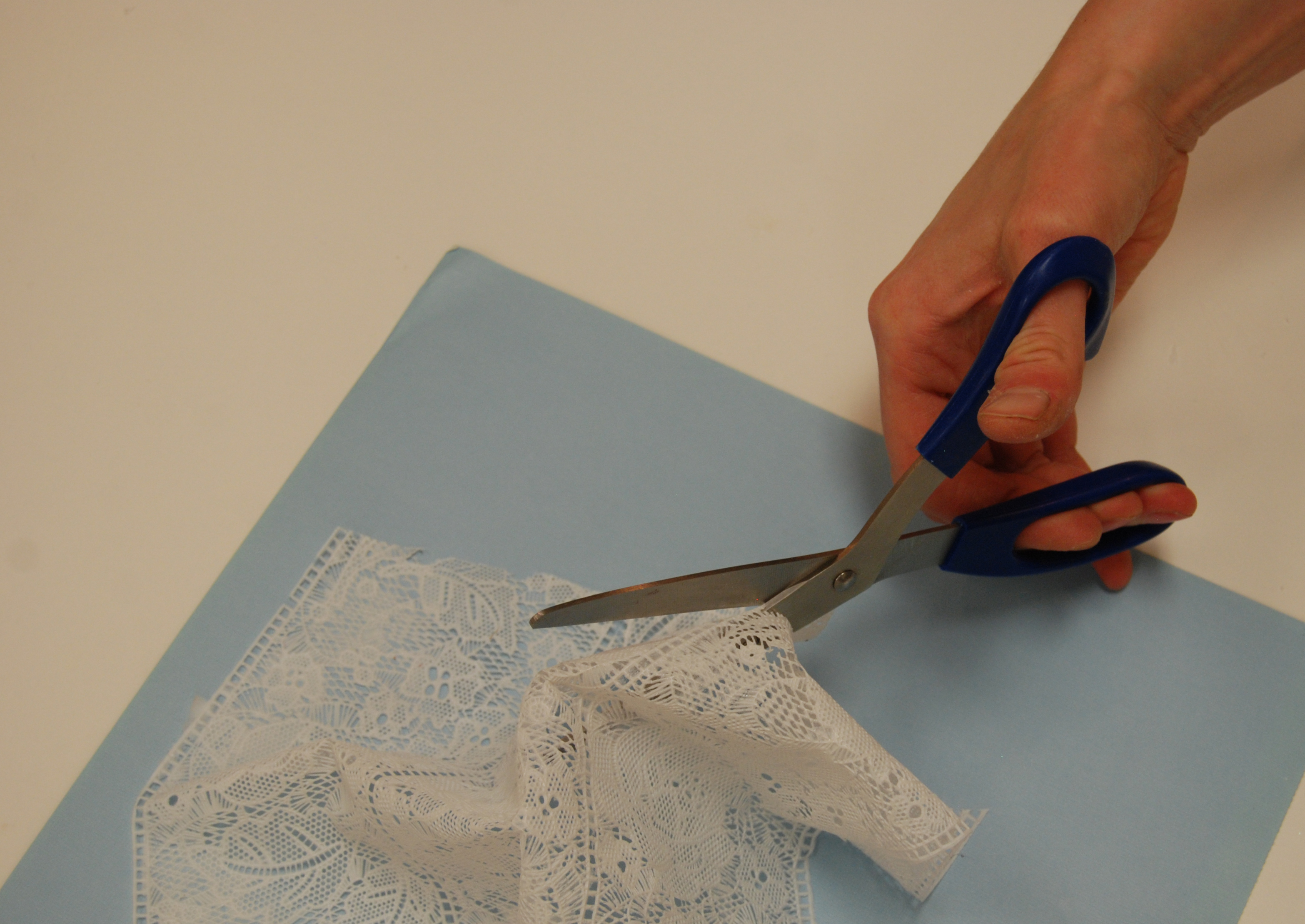 Attaching Cake Lace