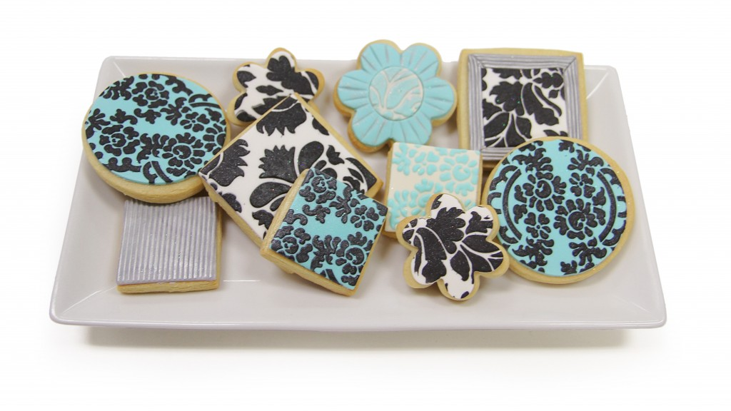 Stencil with Fondant on Cookies