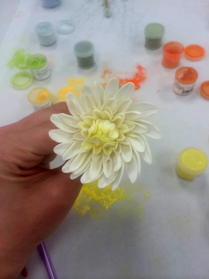Painting the Dahlias Sugar Flower