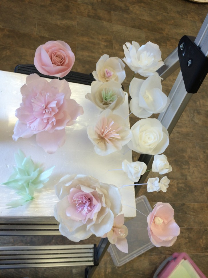 Complete set of wafer paper flowers