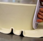 Learn how to fondant a cake