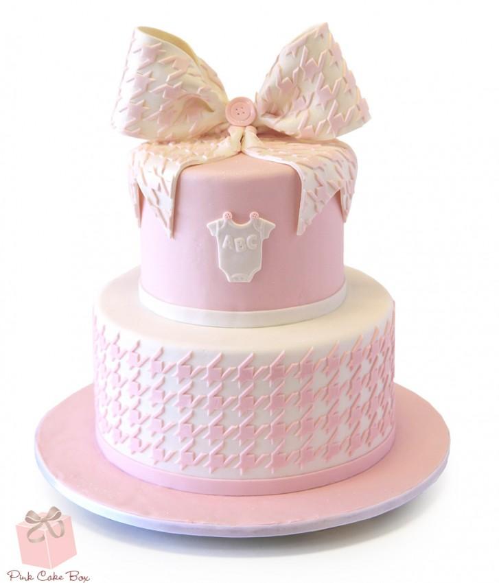 Houndstooth patterned cake